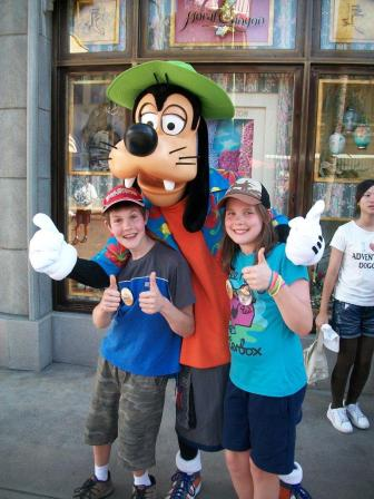 Goofy and the kids