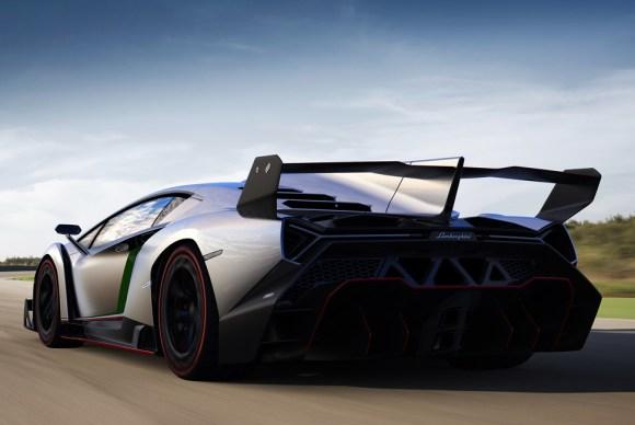 Lamborghini-Veneno-Gear-Patrol-Slider-6
