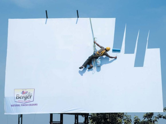 funny_paint_creative_advertisement_ad_colors_commercial_billboard_1134x850_wallpaper_Wallpaper_2560x1920_www.wallpaperswa.com