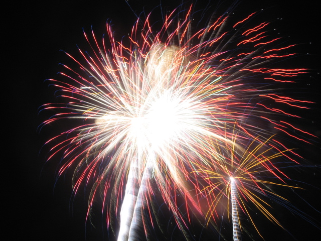2019 Fireworks  Radio Dubuque Fireworks and Air Show