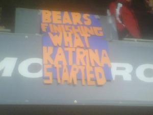 Bears_sign_in_stadium