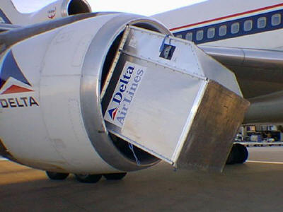 Delta_Airlines_Sucks_in__Container_small