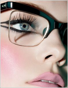 Gorgeous_makeup_looks for_glasses_01