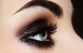 8_beautiful_ways_in_which_to_Wear_tinny_Eye_Shadow at_once_03