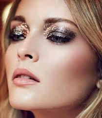 8_beautiful_ways_in_which_to_Wear_tinny_Eye_Shadow at_once_01