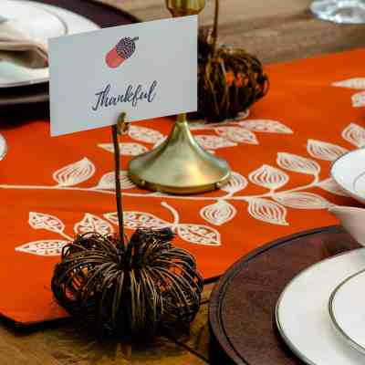 Easy DIY Pumpkin Place Card Holder Tutorial