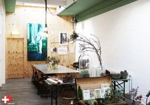 FIRST EET CAFE groeiende expositie Fish & Flowers van Kitty van Barneveld