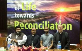 Church of Pakistan hosts Muslims, Christians