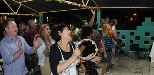 Cuban Methodists worshipping together