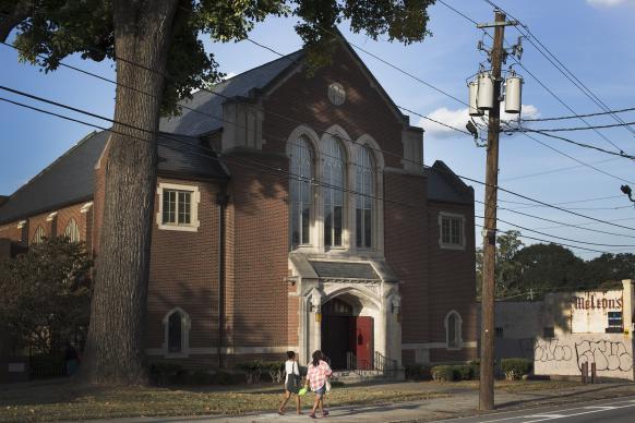 2-grace-umc-church-exterior-for-umns-story-l2413-582×388