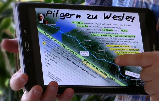 europe-walk-welsey-jorg-niederer-closeup-tablet-607×388