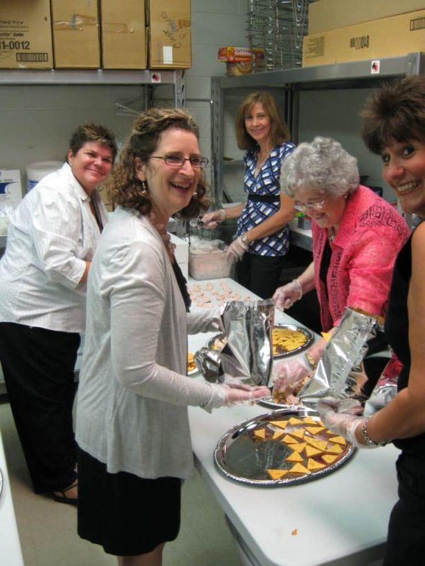 Volunteer Serving Staff