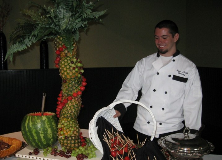 FRESH FRUIT FONDUE STATION