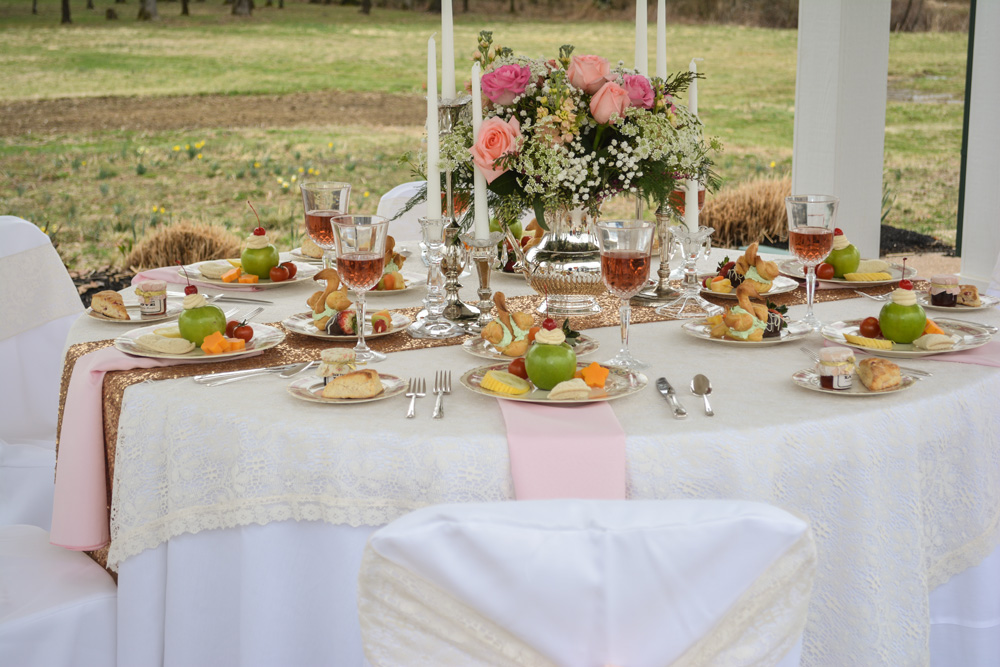 """Alice in Wonderland"" style brunch tablescape"