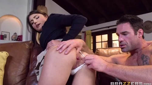 Daughter in search of anal pleasure