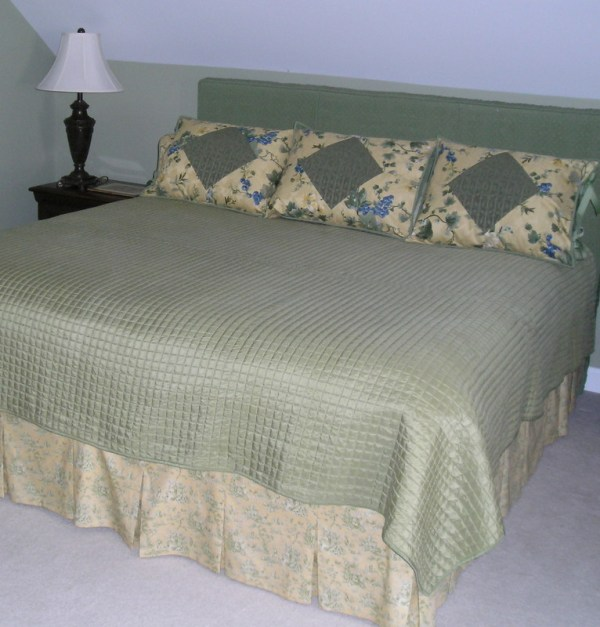 same pillow sham design, different guest room