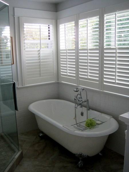 2013-8, shutters around tub