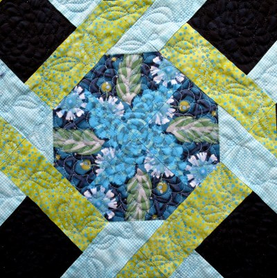 Olivia Twist quilting detail front 2