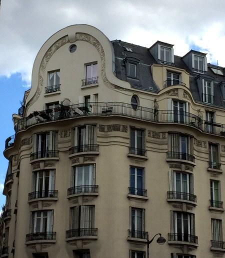 Paris bldg balc 2