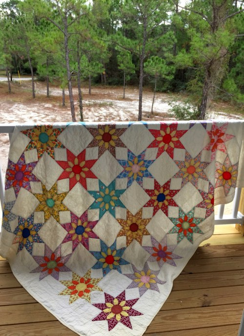 floral star quilt draped-001