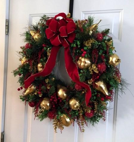 stoffel-dec-2016-back-door-wreath