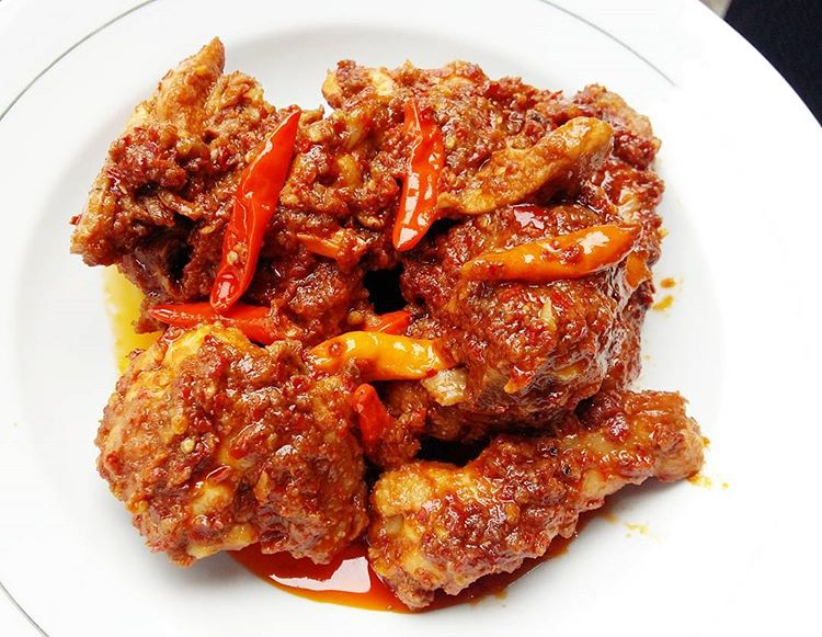 Ayam Rarang, sumber-ig-@ratnifoodiary