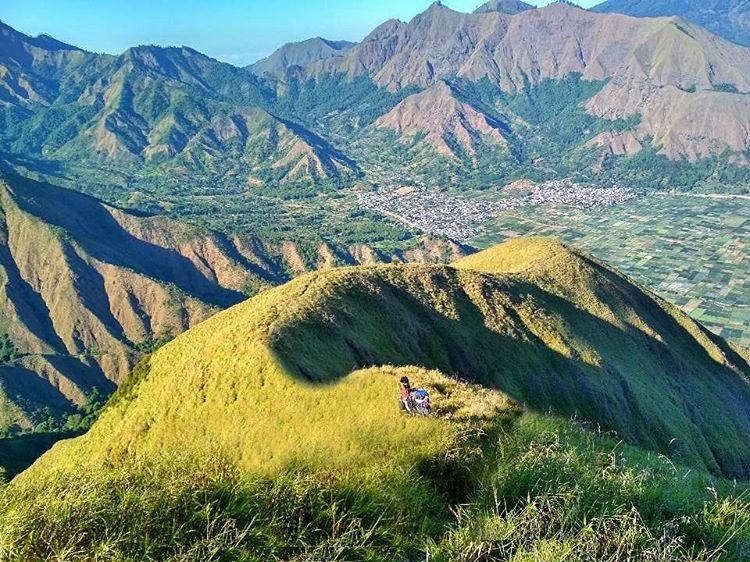 Keindahan Bukit Anak Dara di Sembalun Lombok, sumber ig lauzaamar