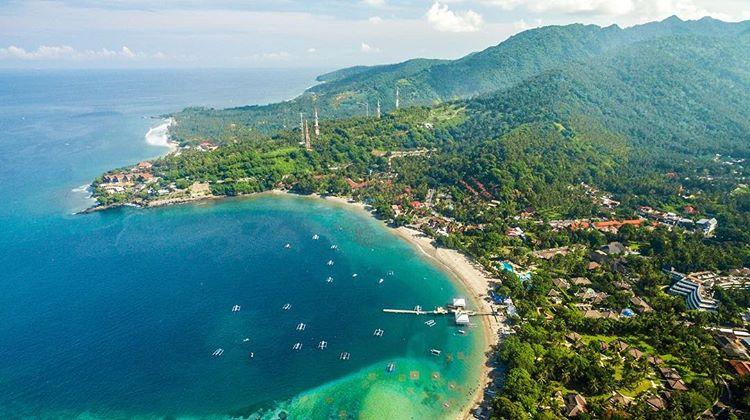 pantai senggigi di Lombok yang terkenal, sumber ig adycandraa
