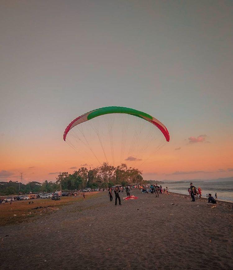 Pantai Loang Baloq, sumber ig kevin.fa_