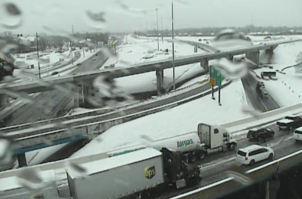 Multiple Disabled Tractor Trailers Shut Down Delaware