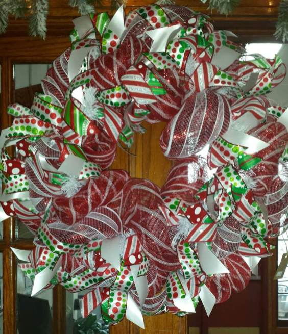 Holiday Wreath - Red White