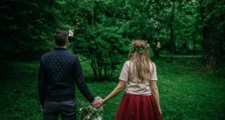 couple-walking-in-woods