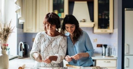 mother-daughter-in-kitchen