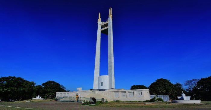 https://commons.wikimedia.org/wiki/File:Quezon_Memorial_Circle_11.jpg#/media/File:Quezon_Memorial_Circle_11.jpg
