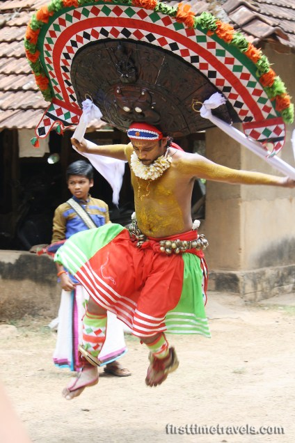 Poothan and Thira Kerala Blog Express