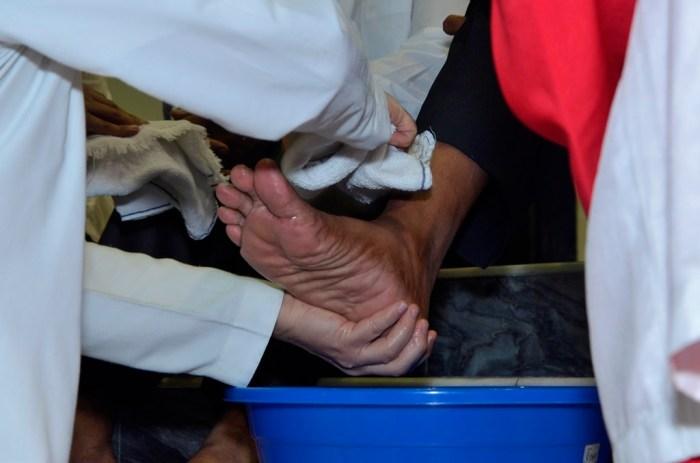 foot washing photo