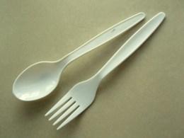 sendok plastik