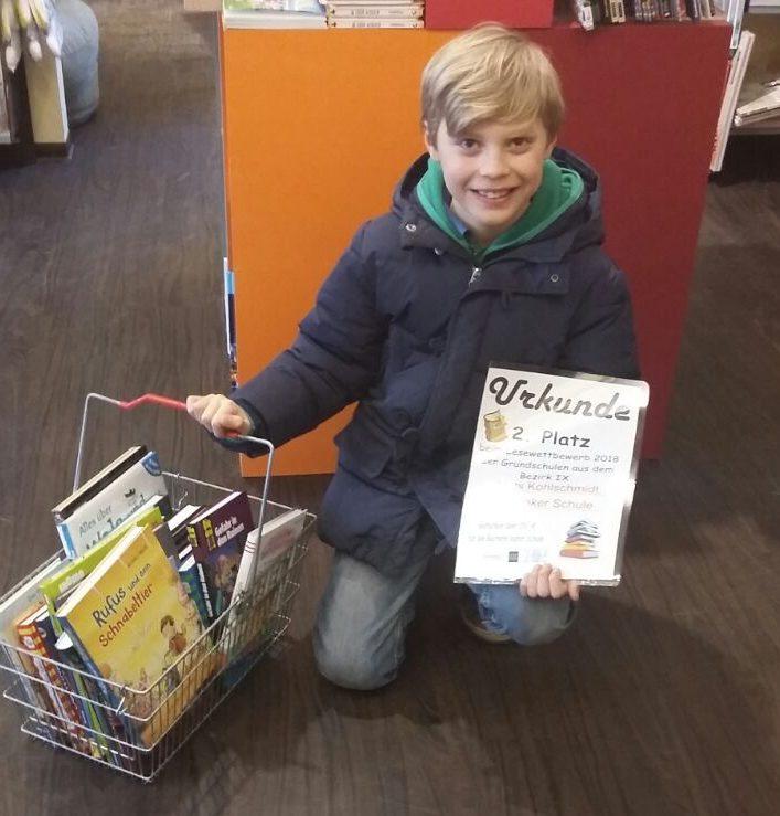 Mats kauft Bücher ein
