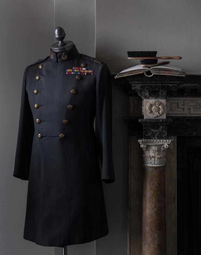Gieves-Hawkes-Savile-Row-płaszcz-wojskowy