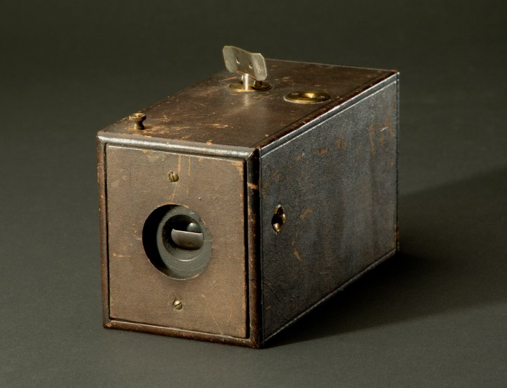 first-kodak-camera-1888