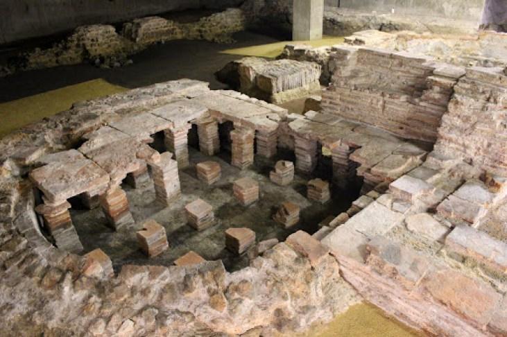 Roman-Bath-Londinium-Lower-Thames-Street