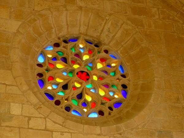 vitrail - château de Biron en Dordogne
