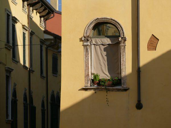 fenêtre dans le centre de Vérone
