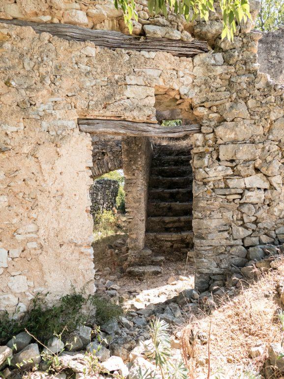 sentier de randonnée du hameau de Lavène (Hérault)