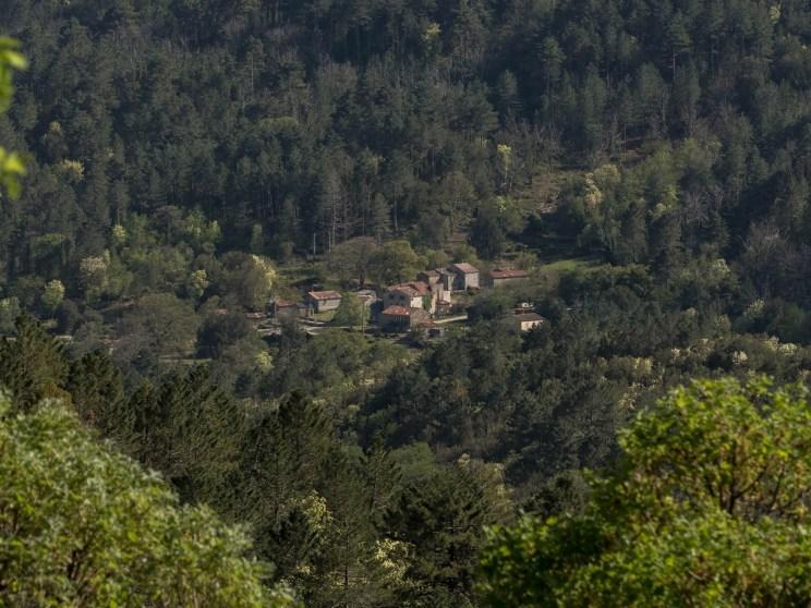 Chemin de marche vers Rosse- Corse