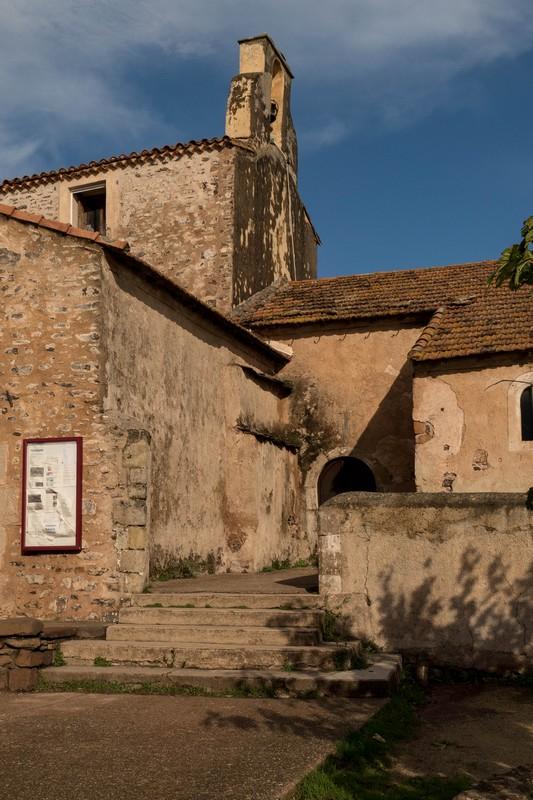 chapelle - Celles, village abandonné au bord du lac du Salagou - Hérault