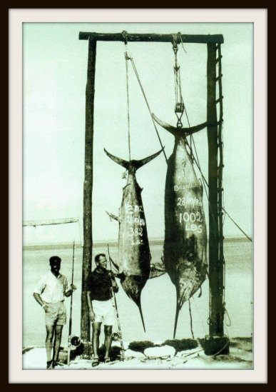 Ralph Hullet with Africa´s first ever grander Black Marlin