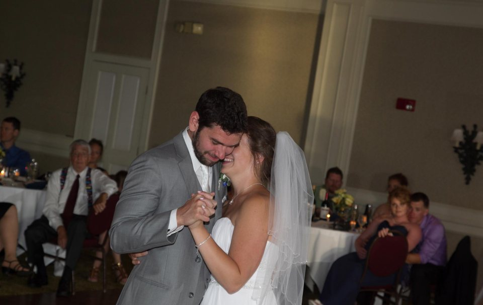 bride and groom fci photography templeton landing buffalo first dance
