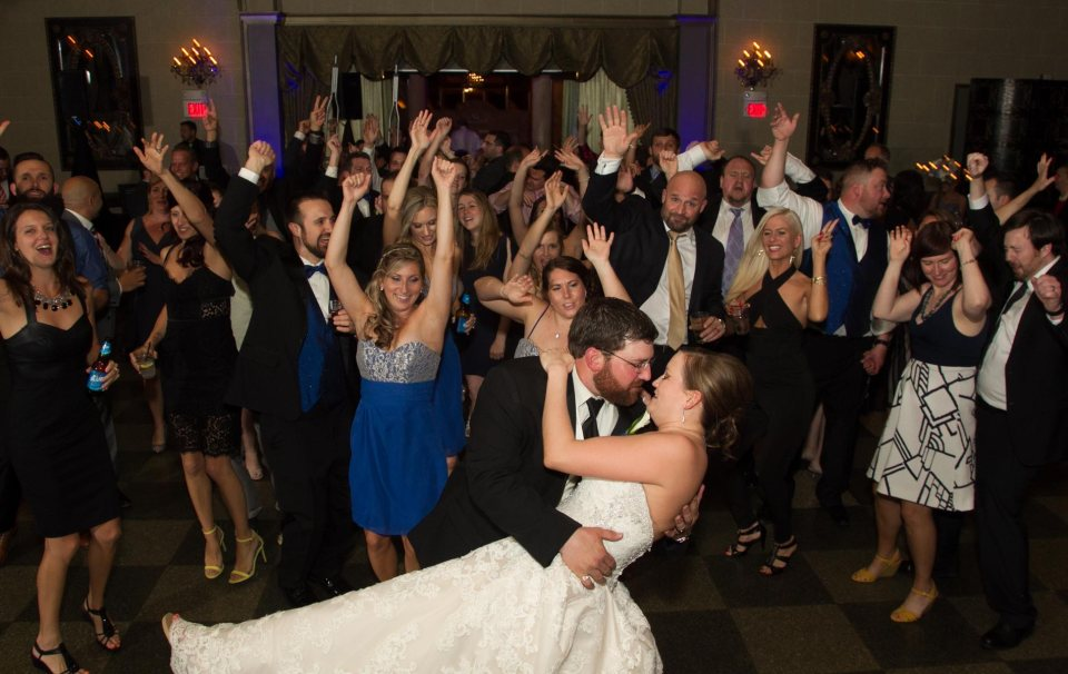 bride-and-groom-statler-city-buffalo-party-toy-bros - Beautiful May Wedding