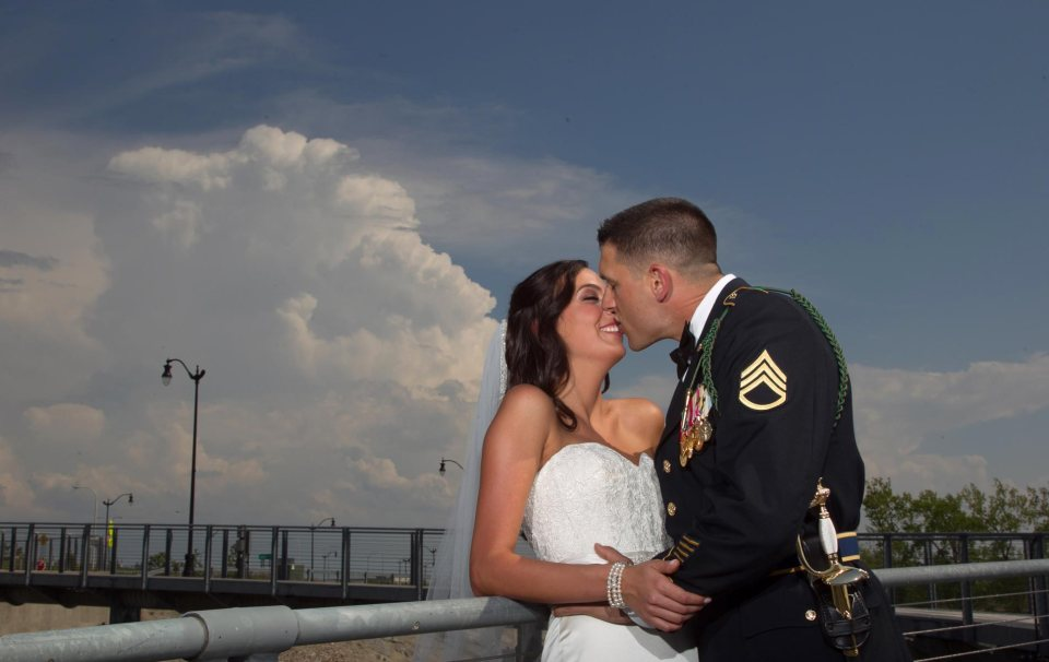 Buffalo-wedding-Bride-and-groom-outer-harbor-4